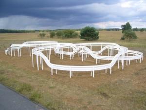 Jeppe Hein, Loop Bench (2009) - Camp Reinsehlen bei Schneverdingen